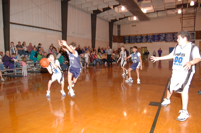 HFS  basketball 1-11-07 vs St  John 040