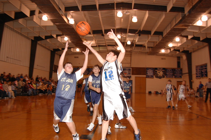 HFS  basketball 1-11-07 vs St  John 039