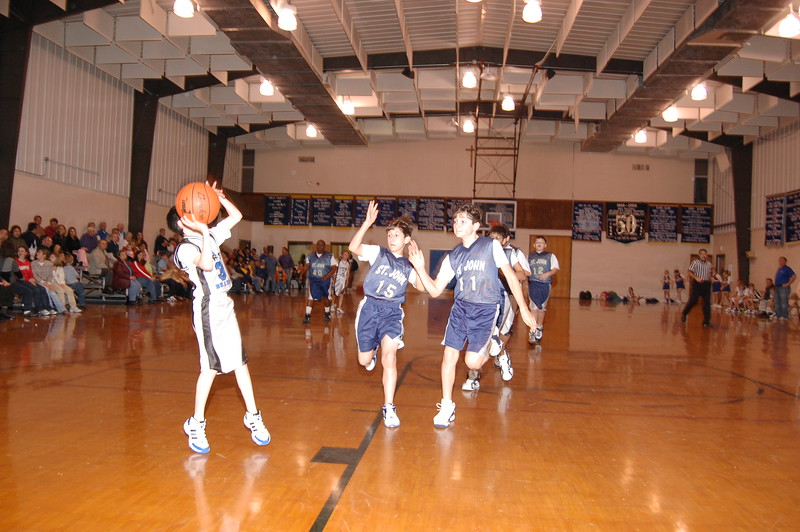 HFS  basketball 1-11-07 vs St  John 038