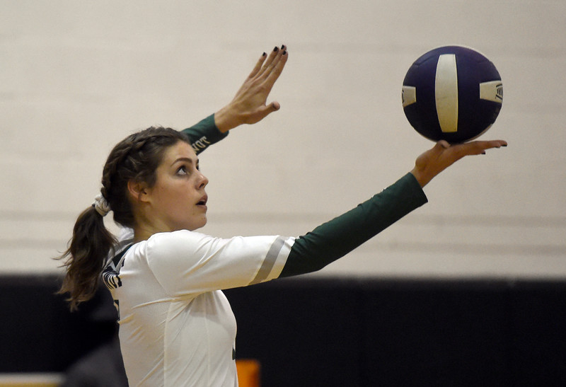 Niwot vs Holy Family Volleyball
