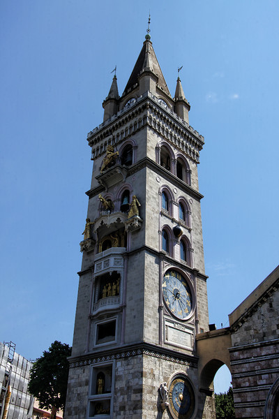 Messina9666<br /> Adjacent to the cathedral, stands a bell tower which holds one of the world's largest astronomical clocks, built in 1933. The belfry contains large, mechanically animated statues illustrating religious history, that are triggered every day starting at noon.