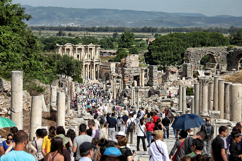 Ephesus0226<br /> View of the Celsus Library from the top of Curetes Street.
