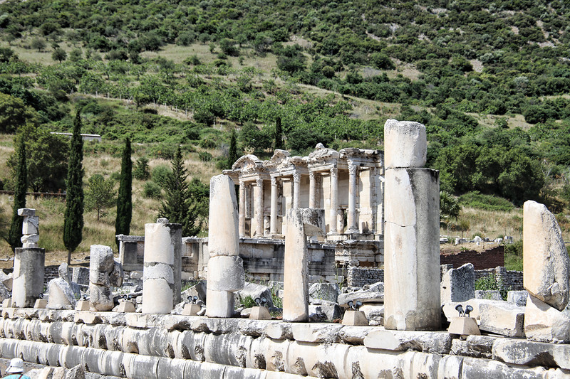 Ephesus0336<br /> On all three sides of the Agora are rows of storerooms with vaulted roofs, some two-storied, and all with covered portics and columns. Many of these excavations are recent.