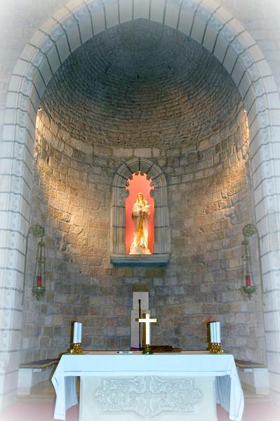 Apse at the Notre Dame Center chapel.