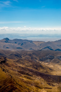 Zicht op de kleurrijke woestijnen van de Andes.