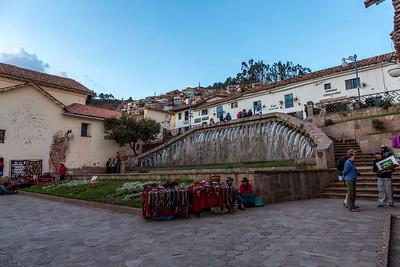 Cuzco : Plaza San Blas bij avondlicht
