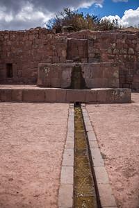 In Tawantinsuyu, het land van de Inca's, was men er stellig van overtuigd dat de goden zich in het gebergte ophielden. Vermits het water zomaar uit de rotsen ontsprong.