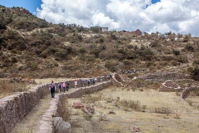 Tipon : we vatten onze wandeling aan op een oude Incaweg.