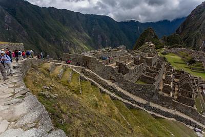 Tempels, residenties en opslagplaatsen, allemaal opgetrokken in de minutieuze bouwstijl die de Inca's eigen was.