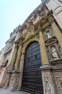 LIMA: Palacio Arzobispal (aartsbisschoppelijk paleis)