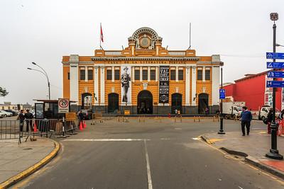 LIMA:  het vroegere station, nu het huis van de literatuur