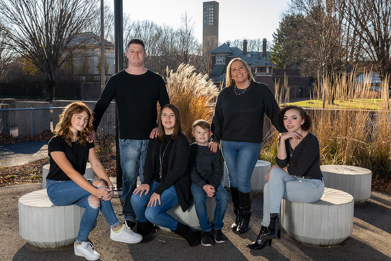 Clark family session in Columbus, Indiana. Photo by Tony Vasquez on November 28, 2020.