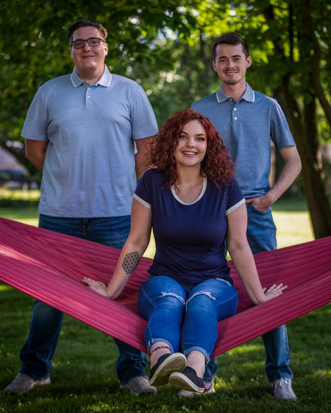 Family portrait session in Seymour, Indiana. Photo by Tony Vasquez 2020.