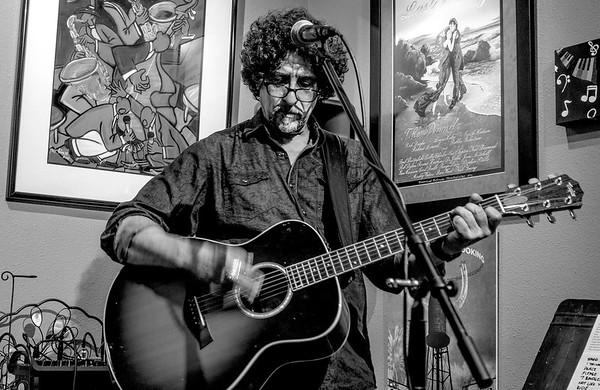 Dan Navarro Home Concert