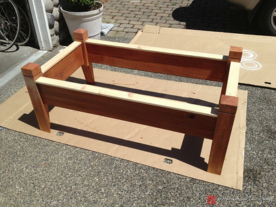 Raised bed assembly