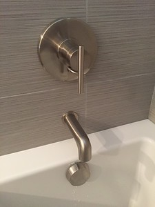 Tub faucet detail