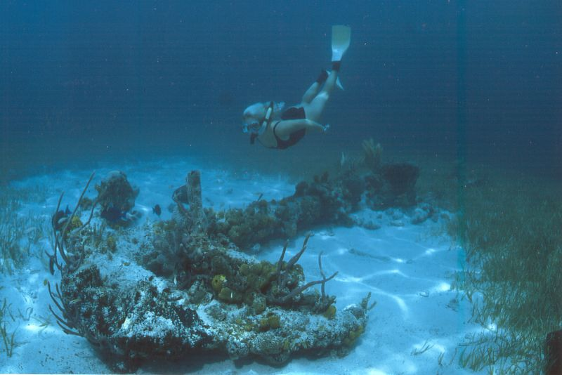 Bahamas - Liz freediving on an anchor
