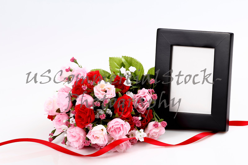 Picture frame with bouquet