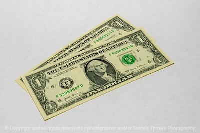 015-dollar_bills-studio-10jun21-12x08-008-400-2542