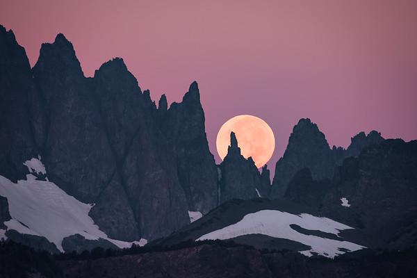 Minaret Moonset