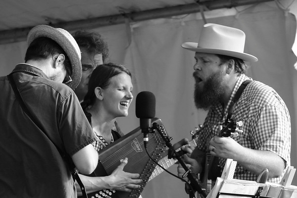 Kurt Froehlich, Dan Gaarder, Kim and Quillan Roe of The Roe Family Singers