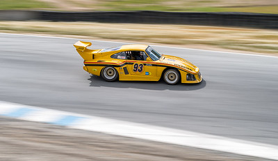 Porsche Turboing out of the Corkscrew