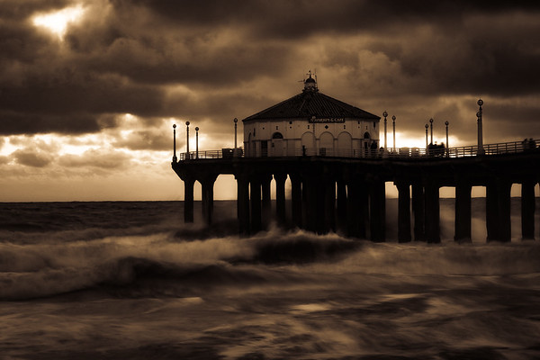 Manhattan Beach Pier, El Nino, March 7, 2016
