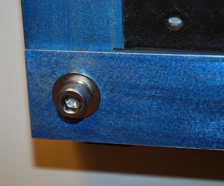 corner bolt