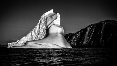Massive Iceberg at Trinity, NL