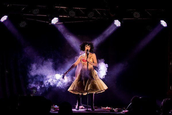 Smoking!  @meowtopia showing us how it should be done one of my favourite #performers at #BrightonFringe #Spiegeltent #MeowMeow #Funny #Cabaret #Singing #mustseeshow #officialphotographer, #Brighton #Roses #Smokemachine #Wonderful #singer #showphotography