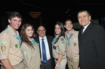 "(L-R) Members of the ""Tzofim"" in Los Angeles delegation with former Director of Mossad, Meir Dagan and Haim Saban at the Israel Leadership Council Gala in 2011"