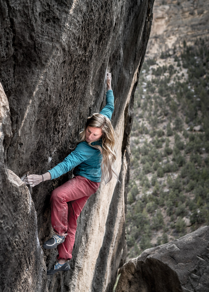 Area: Joes Valley, UT (Left Fork)<br /> Boulder: Sunshine Daydream V7<br /> Climber: Mallory Joy
