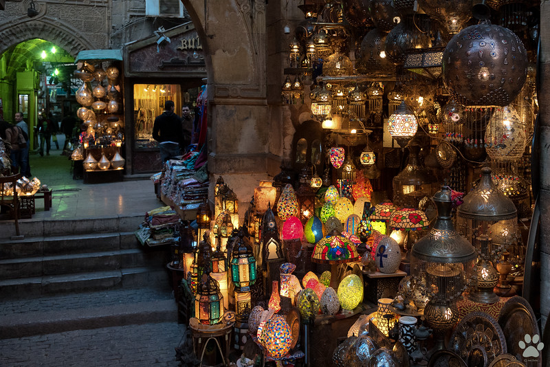 Khalili Market was our favorite shopping spot. It reminded me of Ranganathan street from Chennai, India