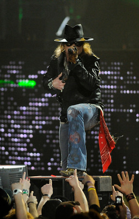 Axl Rose, Guns and Roses.