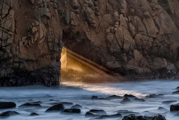 Keyhole Arch on Big Sur's Pfeiffer Beach