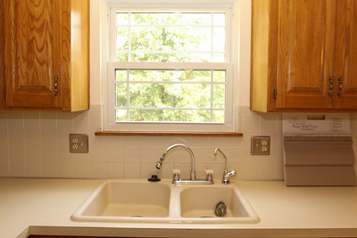 Kitchen - the over-sized Kohler porcelain sink includes a Culligan purified-water faucet.