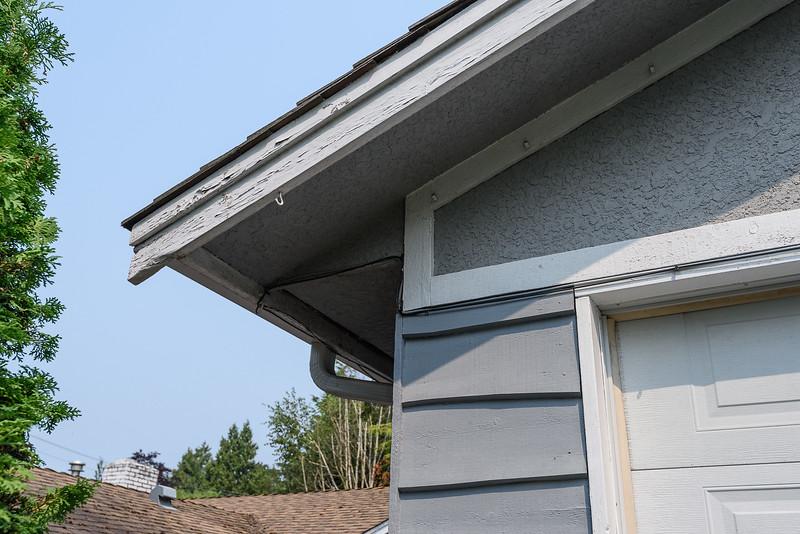 Detail - SW corner fascia needs filler and scraping