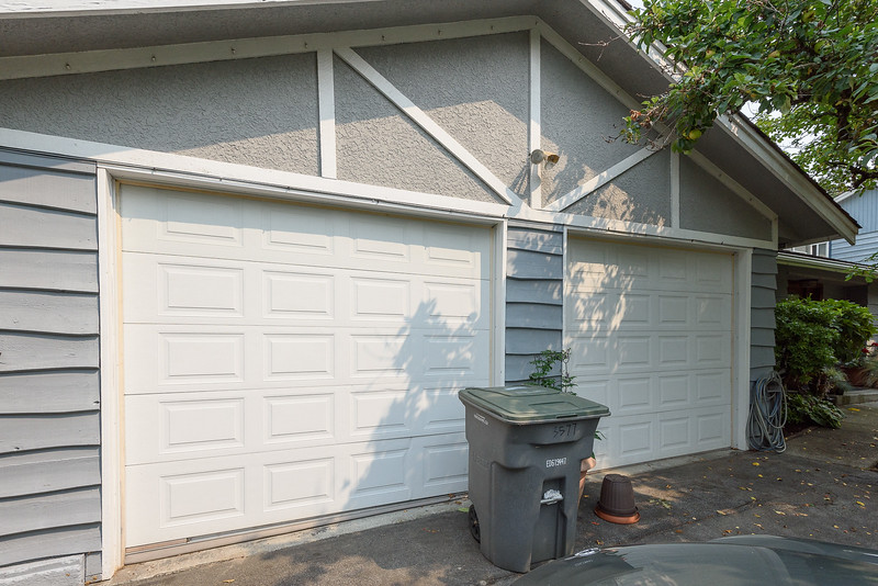 Garage doors - no paint?