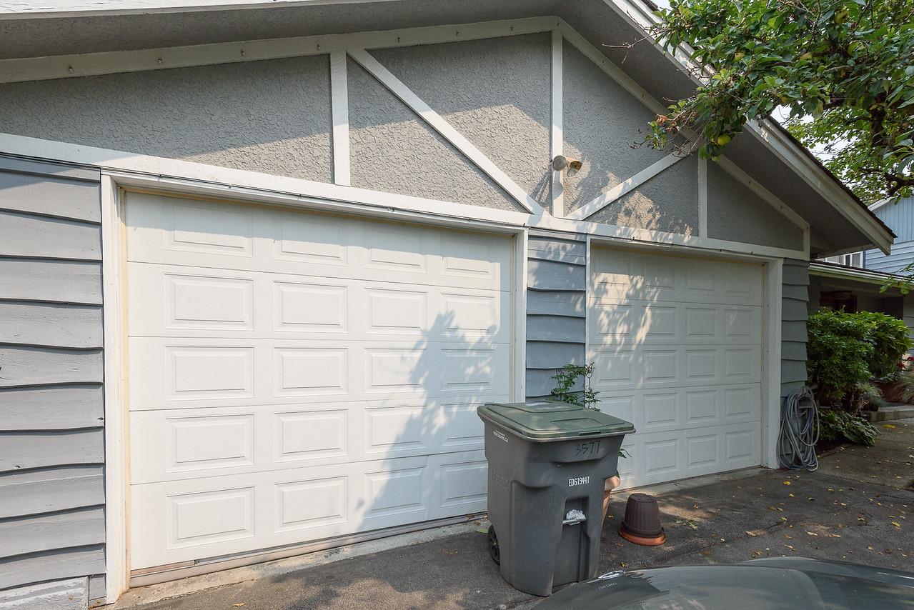 Garage doors - no paint?