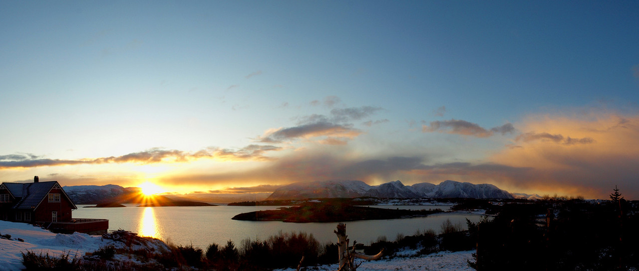 OLYMPUS E-510 14/42mm<br /> December sunrise