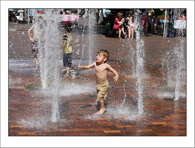 The fountain in Boise Square