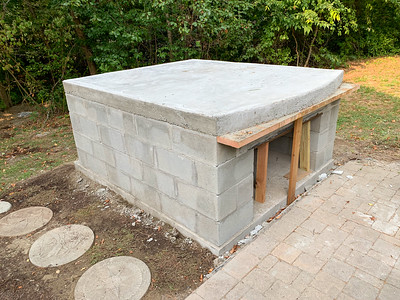 The base is ready for the pizza oven.