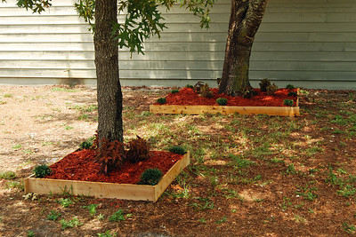 0011 Raised Flower Beds