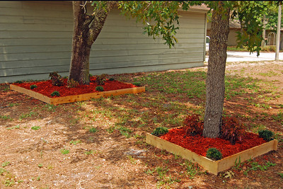 0010 Raised Flower Beds