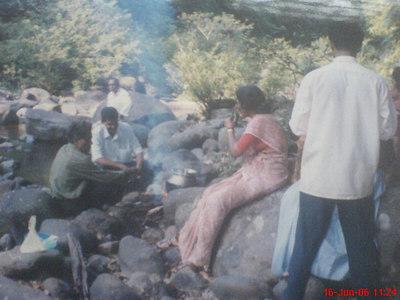 Amma, Biju and others on a trip