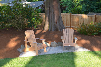 Sitting area off lawn.