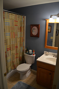 Full upstairs bathroom.