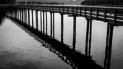 Long legged pier