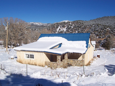 December 2007 snow covers the Vadito property with about 10 inches a week-and-a-half before Christmas.