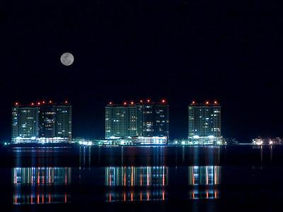 Portifino Moon Rise